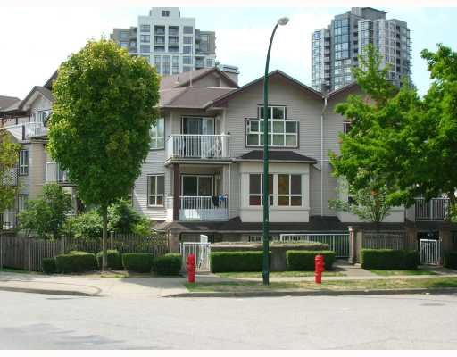 Main Photo: 112 5355 Boundary in Vancouver: Condo for sale (Vancouver East)  : MLS®# V783881