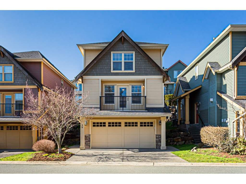 """Main Photo: 39 36169 LOWER SUMAS MTN Road in Abbotsford: Abbotsford East Townhouse for sale in """"Junction Creek"""" : MLS®# R2437633"""