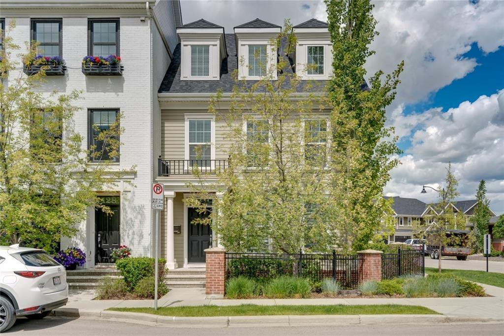 Main Photo: 132 VICTORIA CROSS Boulevard SW in Calgary: Currie Barracks Row/Townhouse for sale : MLS®# C4301242
