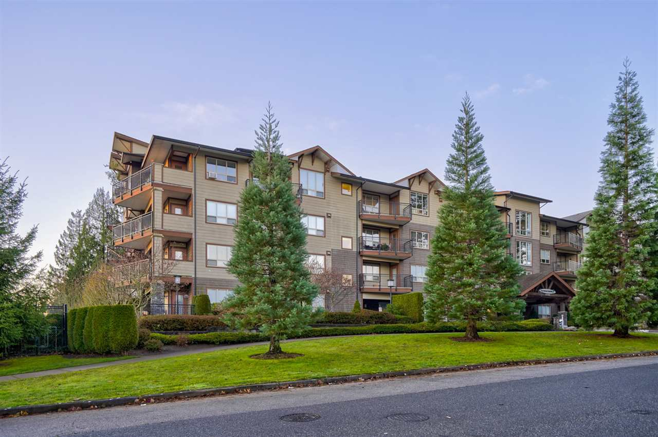 "Main Photo: 403 16068 83 Avenue in Surrey: Fleetwood Tynehead Condo for sale in ""Fleetwood Gardens"" : MLS®# R2521959"