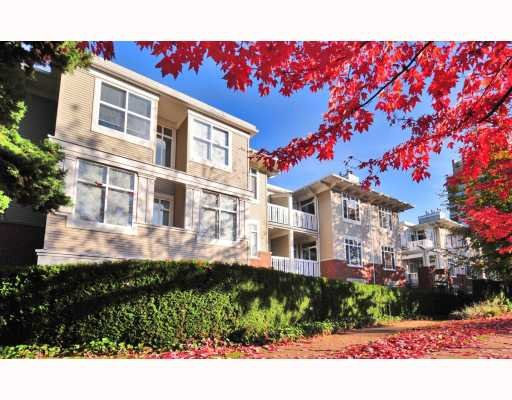 "Main Photo: 1675 West 10 in Vancouver: Fairview VW Condo for sale in ""Norfolk House"" (Vancouver West)  : MLS®# V780657"