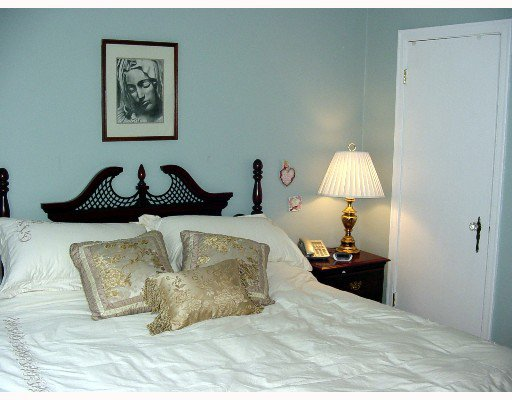 Photo 7: Photos: 215 E 36TH Ave in Vancouver: Main House for sale (Vancouver East)  : MLS®# V647902