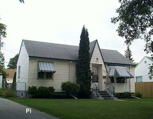 Main Photo: 221 SACKVILLE Street in Winnipeg: St James Single Family Detached for sale (West Winnipeg)  : MLS®# 2513323