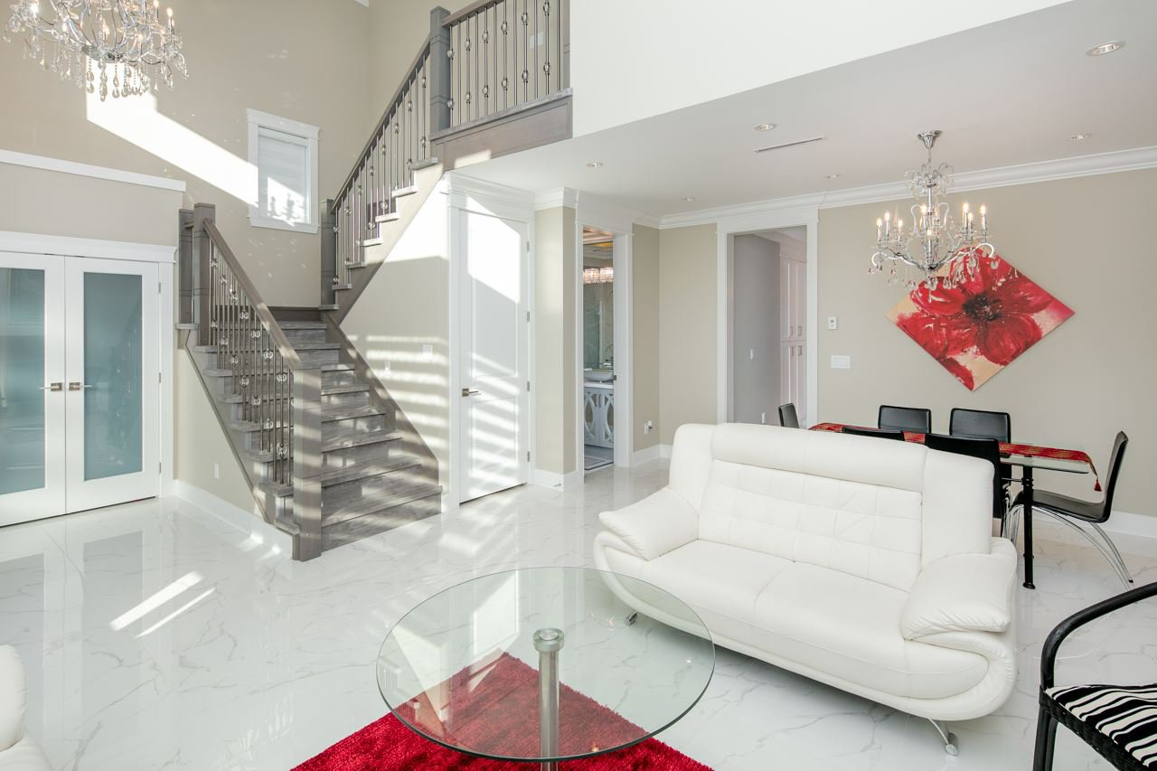 Photo 5: Photos: 7086 NO 2 Road in Richmond: Granville House for sale : MLS®# R2407118