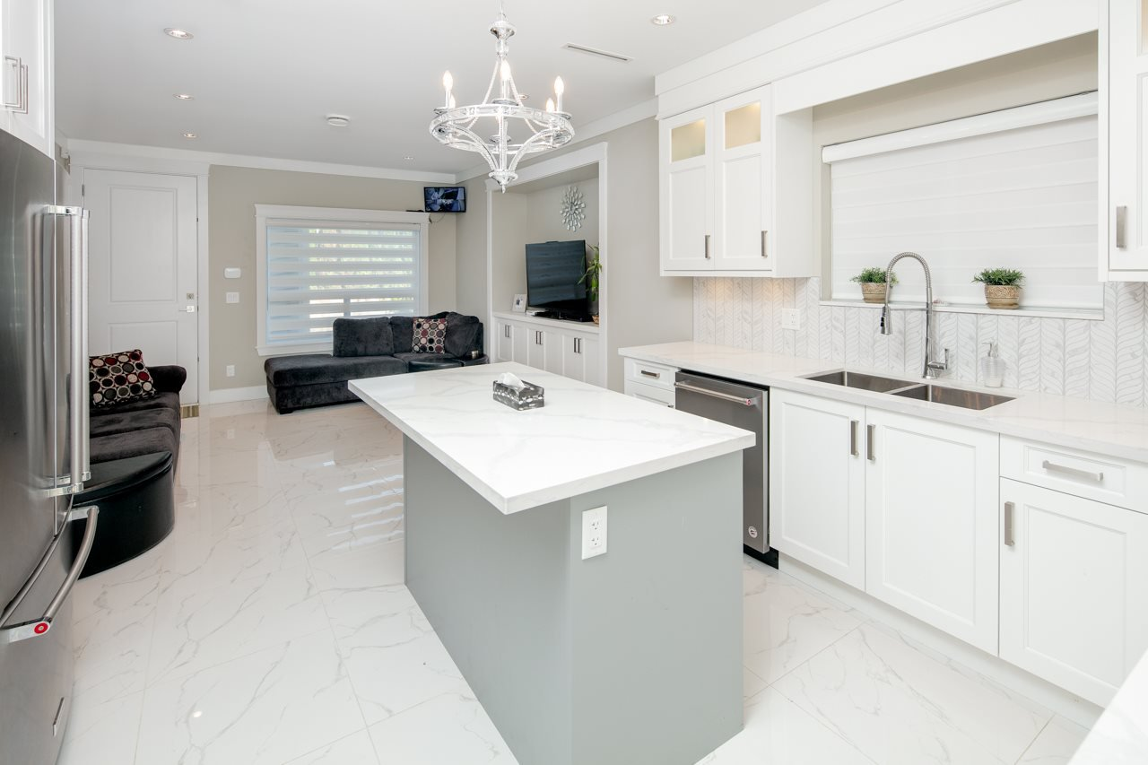 Photo 9: Photos: 7086 NO 2 Road in Richmond: Granville House for sale : MLS®# R2407118
