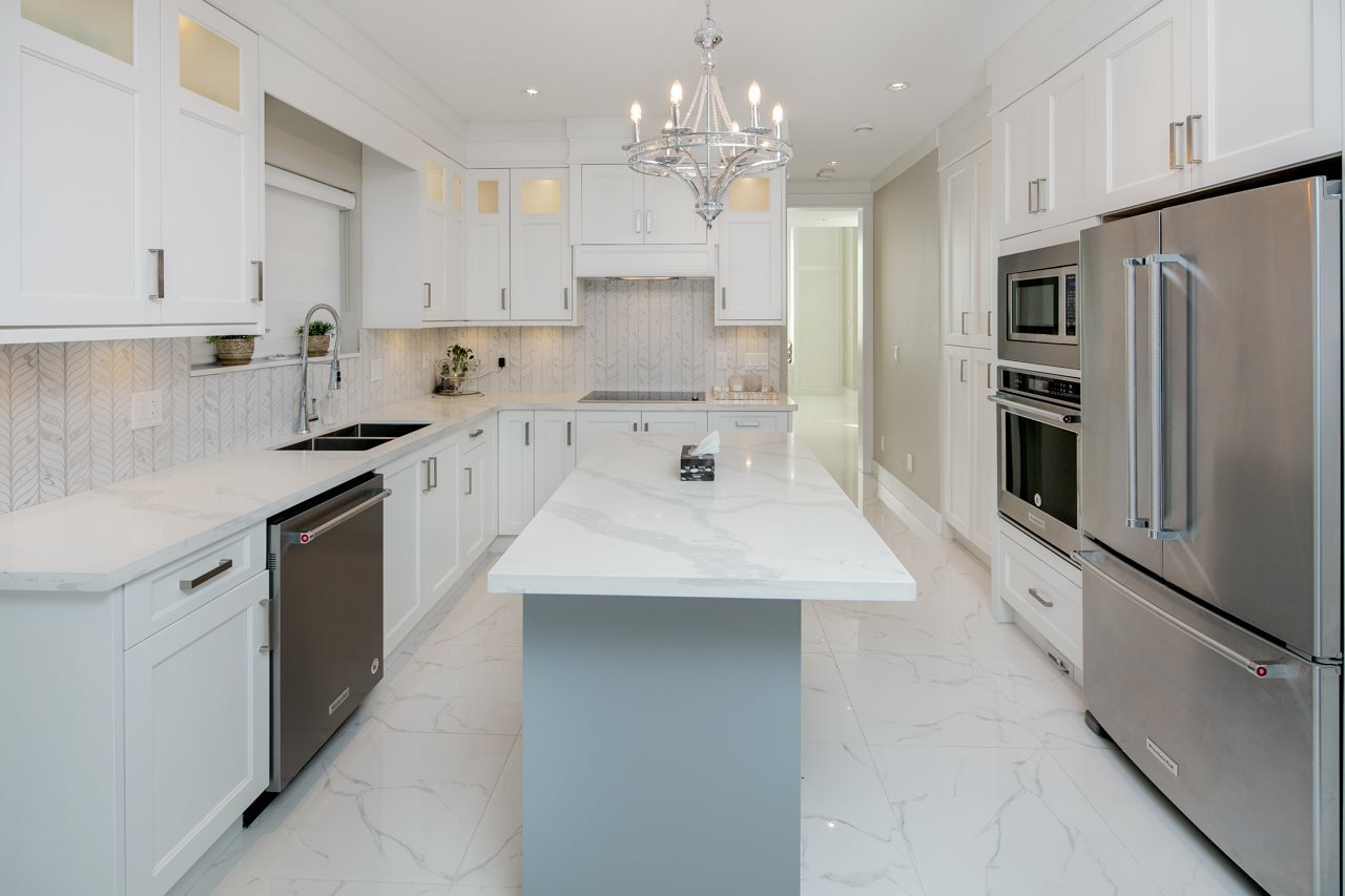 Photo 8: Photos: 7086 NO 2 Road in Richmond: Granville House for sale : MLS®# R2407118