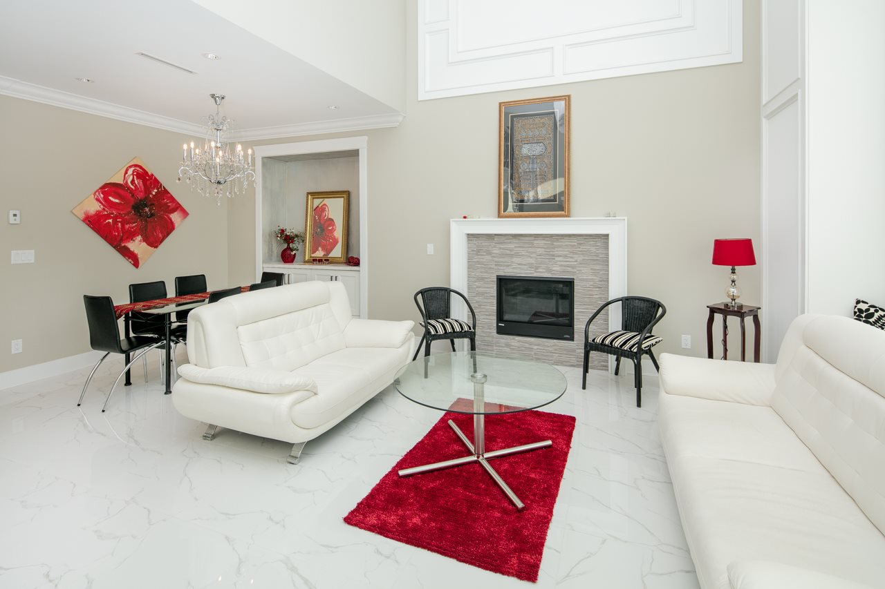 Photo 3: Photos: 7086 NO 2 Road in Richmond: Granville House for sale : MLS®# R2407118