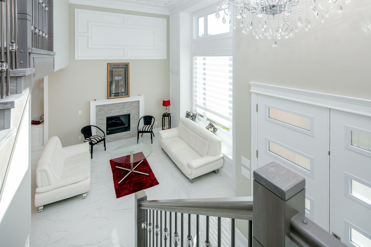 Photo 4: Photos: 7086 NO 2 Road in Richmond: Granville House for sale : MLS®# R2407118
