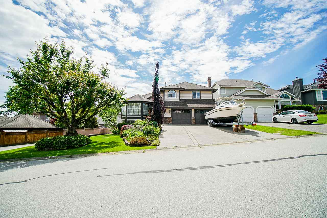 "Main Photo: 2336 KENSINGTON Crescent in Port Coquitlam: Citadel PQ House for sale in ""CITADEL"" : MLS®# R2460944"