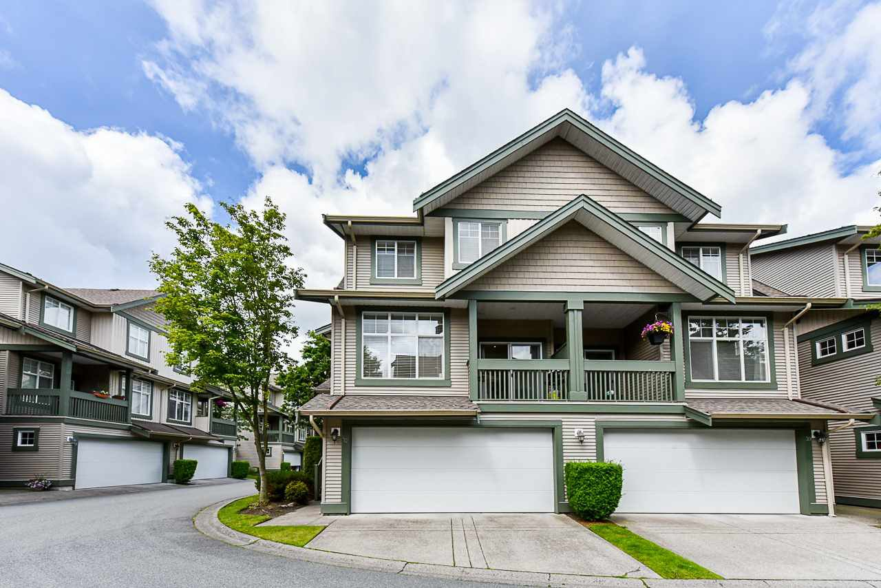 "Main Photo: 40 6050 166 Street in Surrey: Cloverdale BC Townhouse for sale in ""WESTFIELD"" (Cloverdale)  : MLS®# R2466562"