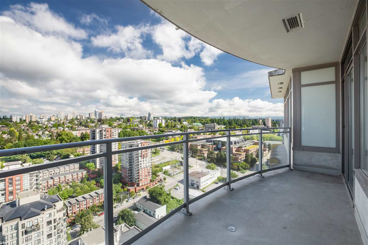 "Main Photo: 3307 898 CARNARVON Street in New Westminster: Downtown NW Condo for sale in ""AZURE I"" : MLS®# R2469814"