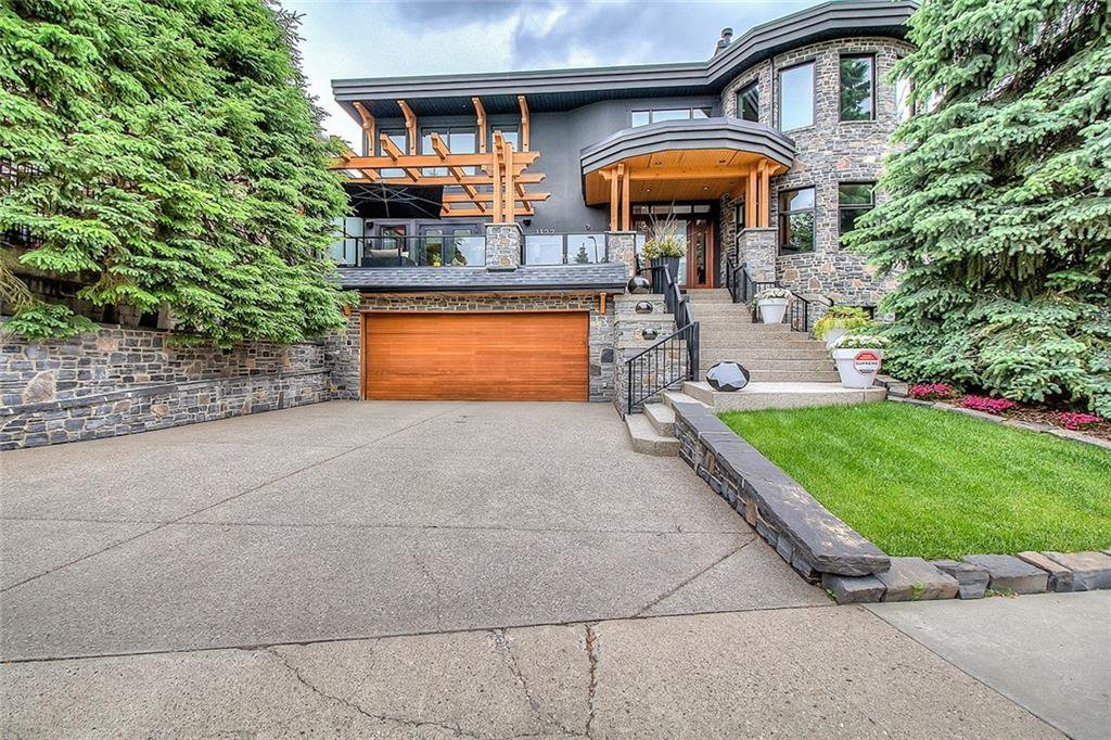 Main Photo: 1122 VALOIS Avenue SW in Calgary: Upper Mount Royal Detached for sale : MLS®# C4301834
