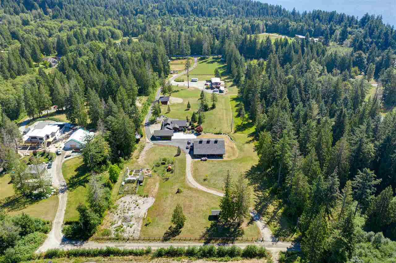 Main Photo: 981 CHAMBERLIN Road in Gibsons: Gibsons & Area House for sale (Sunshine Coast)  : MLS®# R2481276