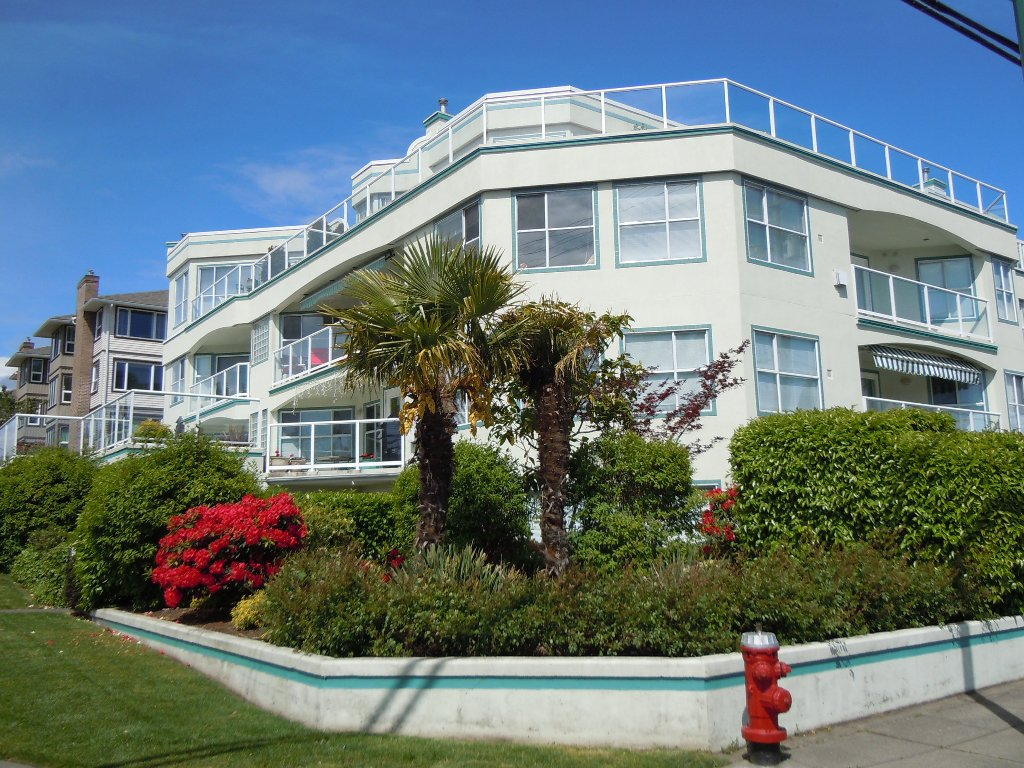 "Main Photo: 15367 Buena Vista Avenue Avenue in White Rock: Condo for sale in ""The ""PALMS"""""