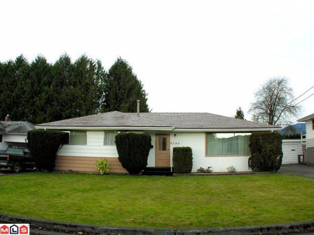 Main Photo:  in Chilliwack: Chilliwack N Yale-Well House for sale
