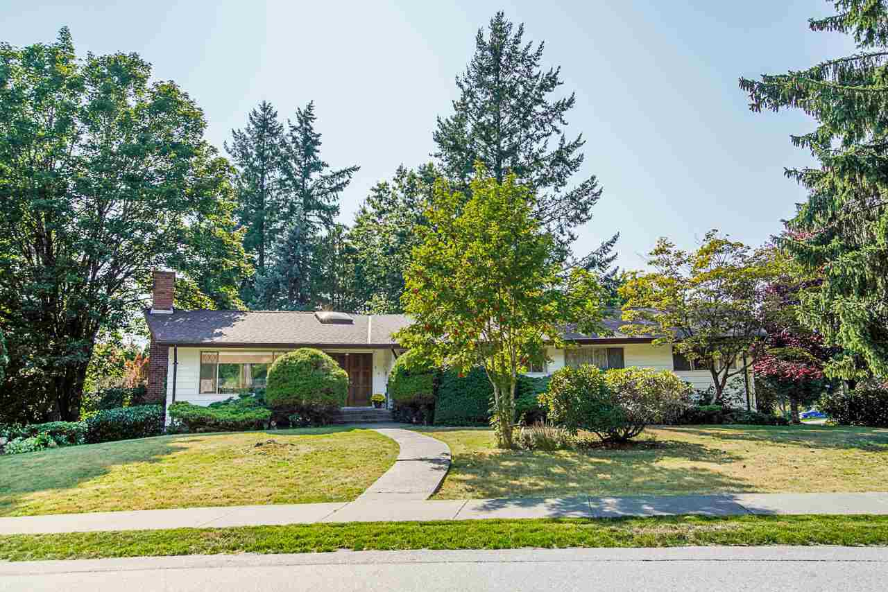 Main Photo: 6477 KNIGHT Drive in Delta: Sunshine Hills Woods House for sale (N. Delta)  : MLS®# R2395088