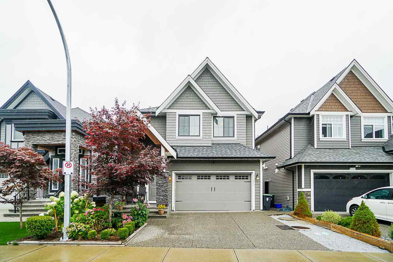 Main Photo: 20973 80A Avenue in Langley: Willoughby Heights House for sale : MLS®# R2396206