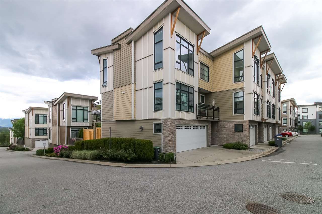 Main Photo: 58 9989 E BARNSTON Drive in Surrey: Fraser Heights Townhouse for sale (North Surrey)  : MLS®# R2455806