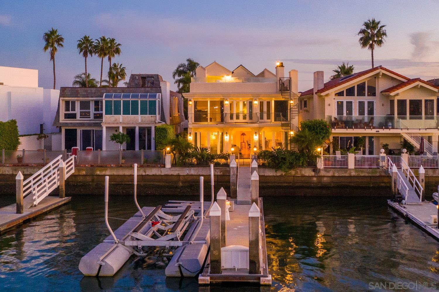 Main Photo: CORONADO CAYS House for sale : 5 bedrooms : 11 The Point in Coronado