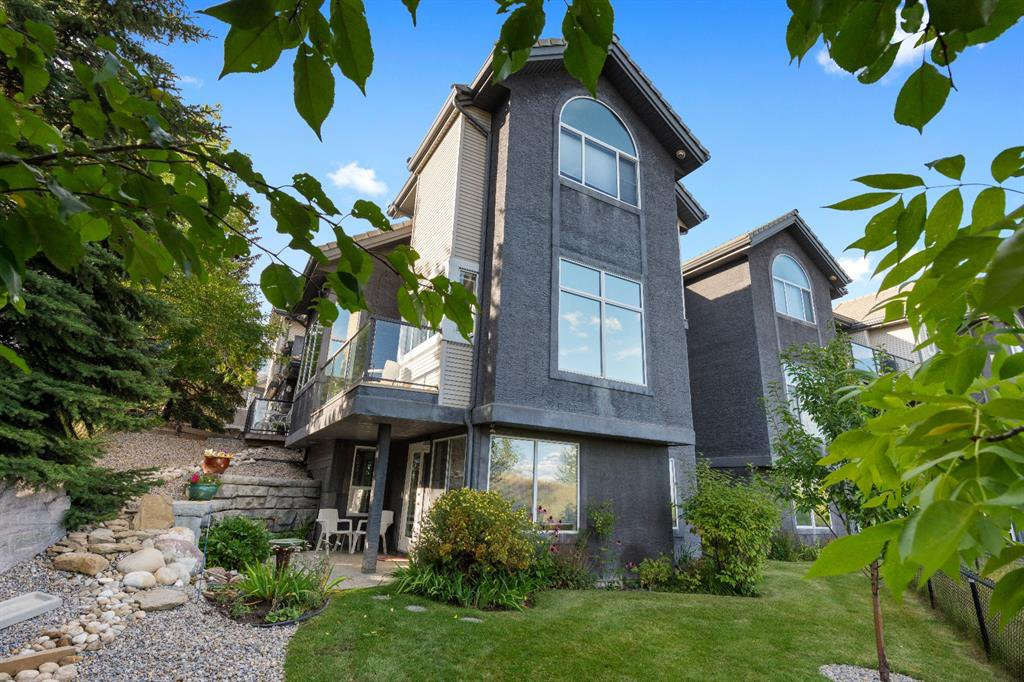 Main Photo: 10 5616 14 Avenue SW in Calgary: Christie Park Row/Townhouse for sale : MLS®# A1048349