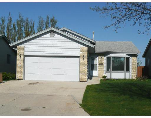 Main Photo: 65 FILBERT in WINNIPEG: North Kildonan Residential for sale (North East Winnipeg)  : MLS®# 2809484