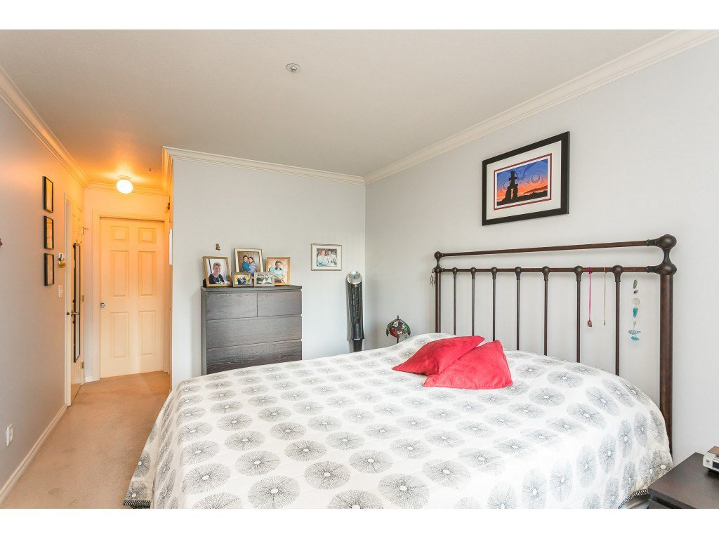 "Photo 12: Photos: 404 3065 PRIMROSE Lane in Coquitlam: North Coquitlam Condo for sale in ""LAKESIDE TERRACE"" : MLS®# R2428749"