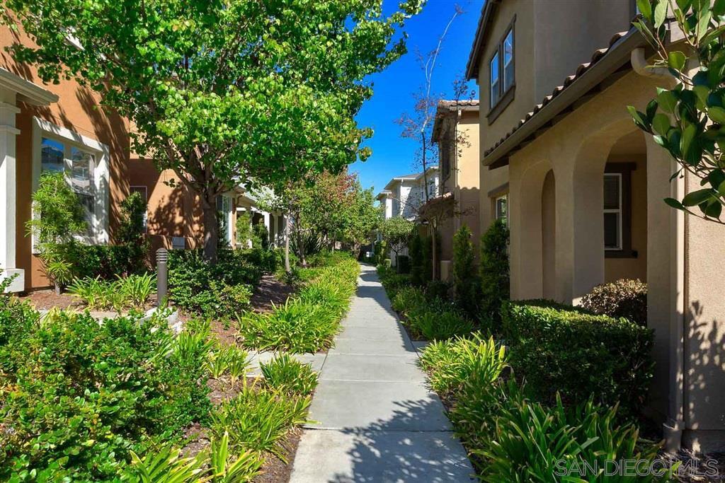 Main Photo: CHULA VISTA Townhome for sale : 4 bedrooms : 1545 Nightfall Lane