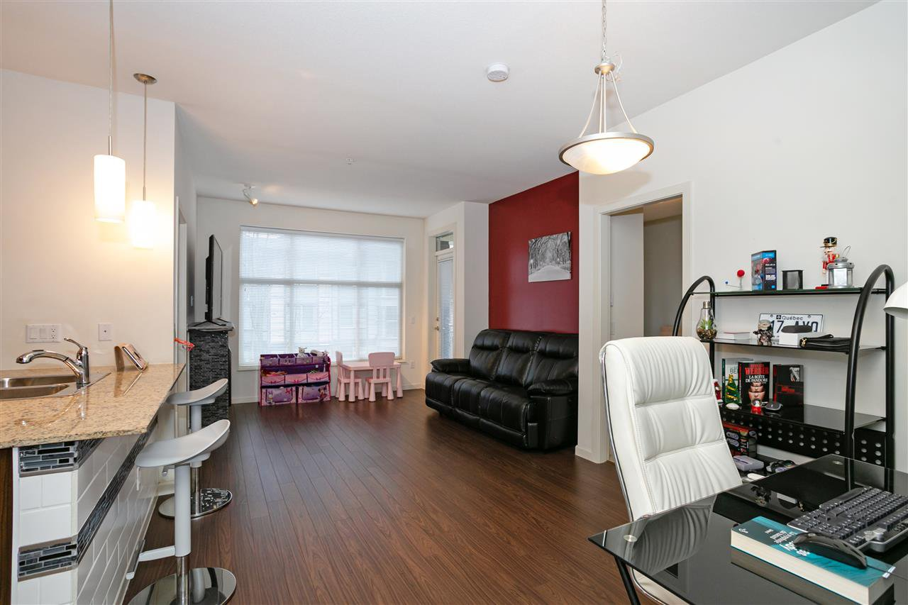 """Photo 3: Photos: 310 2477 KELLY Avenue in Port Coquitlam: Central Pt Coquitlam Condo for sale in """"SOUTH VERDE"""" : MLS®# R2422228"""