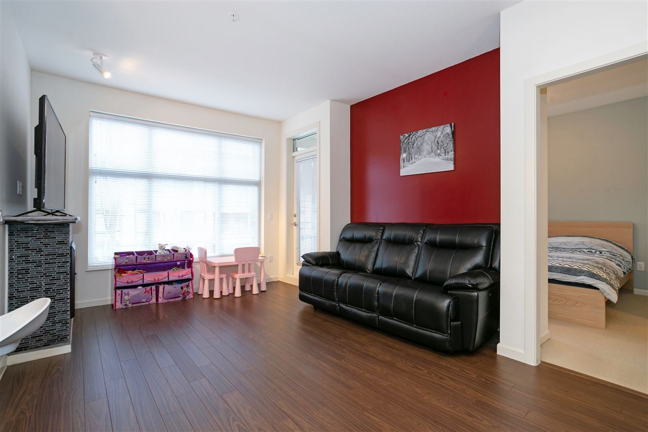 """Photo 4: Photos: 310 2477 KELLY Avenue in Port Coquitlam: Central Pt Coquitlam Condo for sale in """"SOUTH VERDE"""" : MLS®# R2422228"""
