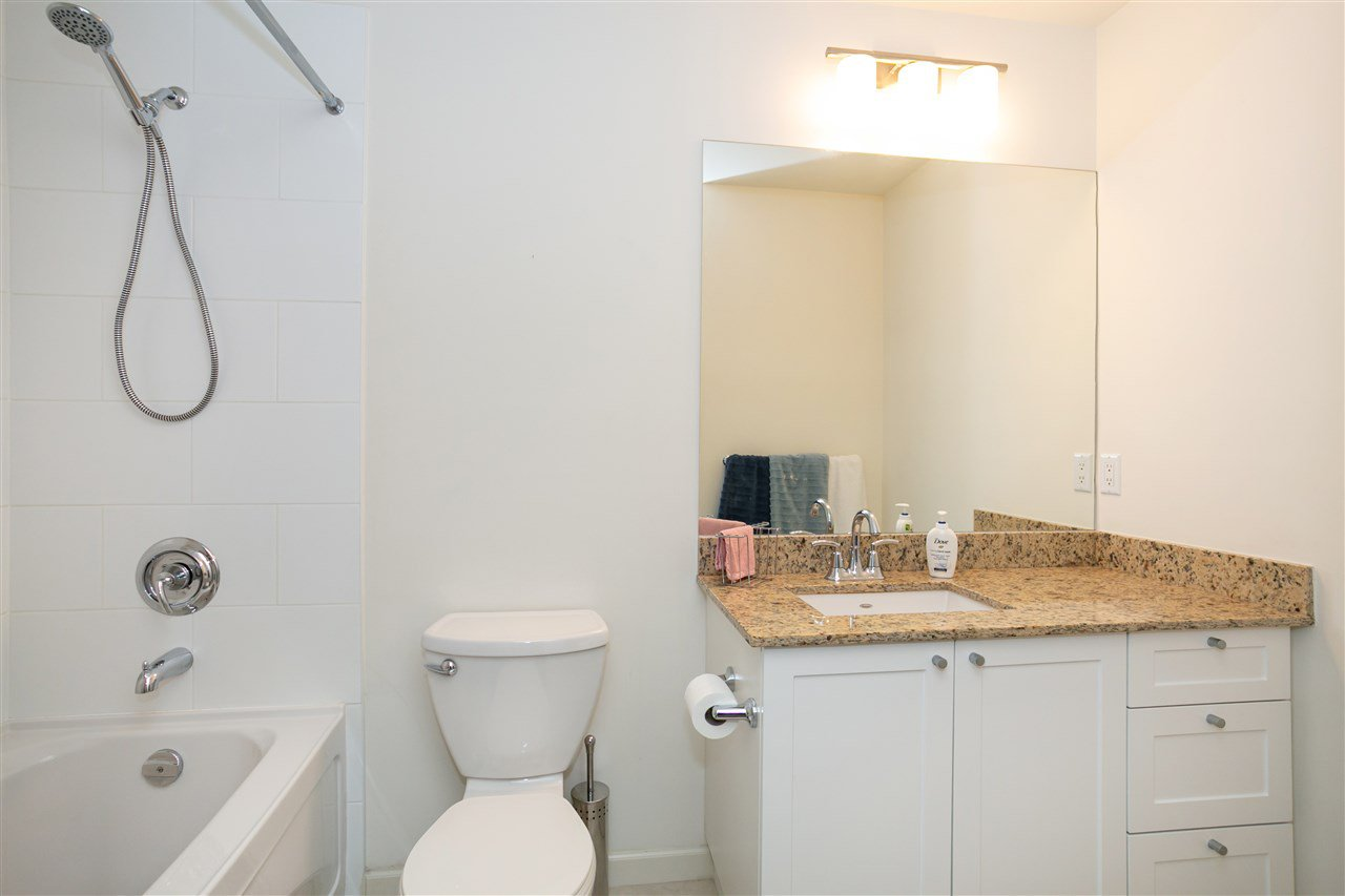 """Photo 15: Photos: 310 2477 KELLY Avenue in Port Coquitlam: Central Pt Coquitlam Condo for sale in """"SOUTH VERDE"""" : MLS®# R2422228"""