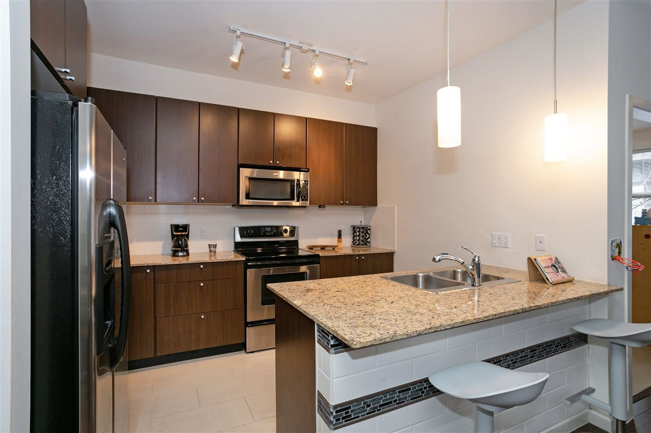 """Photo 2: Photos: 310 2477 KELLY Avenue in Port Coquitlam: Central Pt Coquitlam Condo for sale in """"SOUTH VERDE"""" : MLS®# R2422228"""