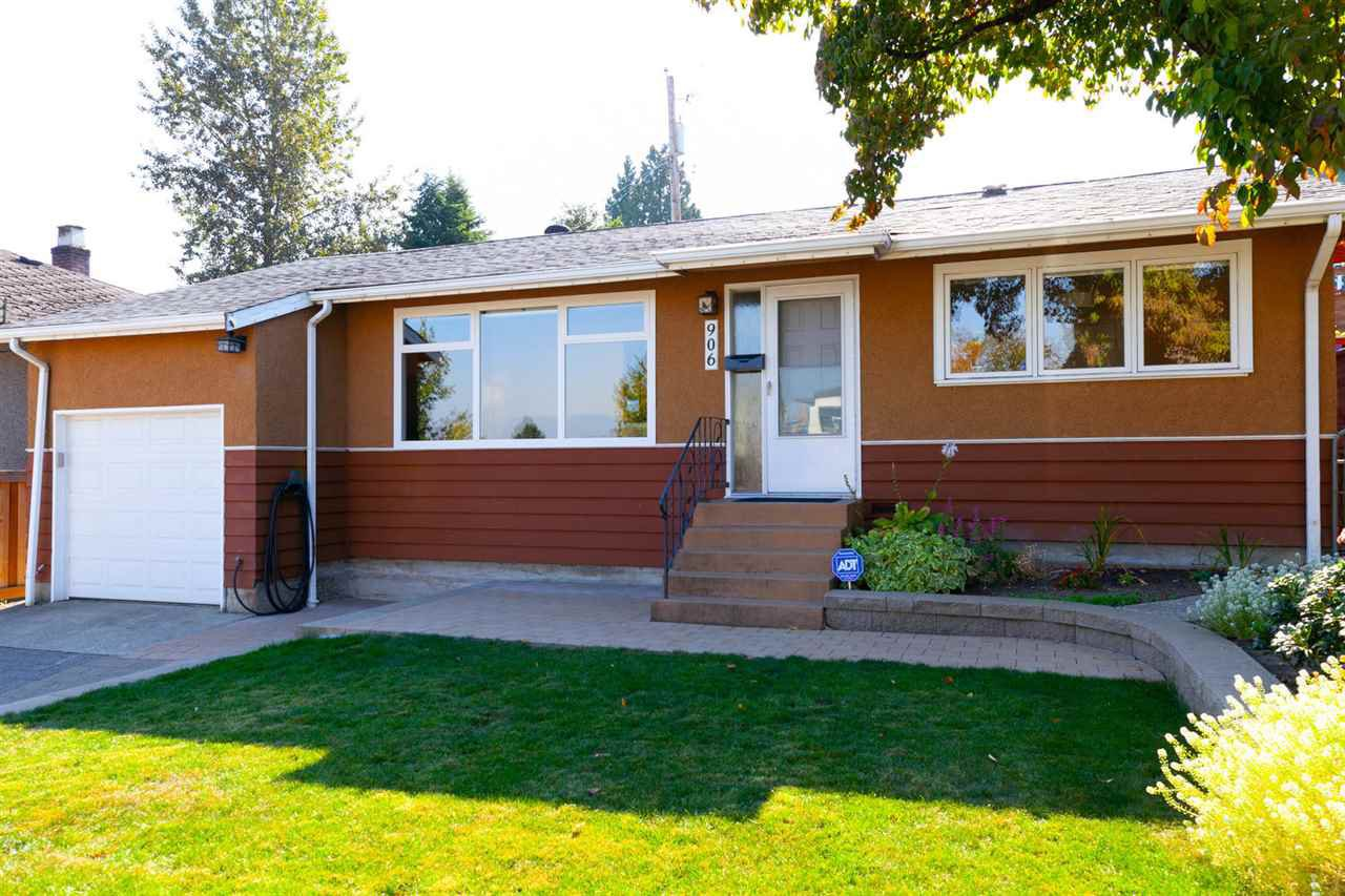 Main Photo: 906 KENT Street in New Westminster: The Heights NW House for sale : MLS®# R2426543