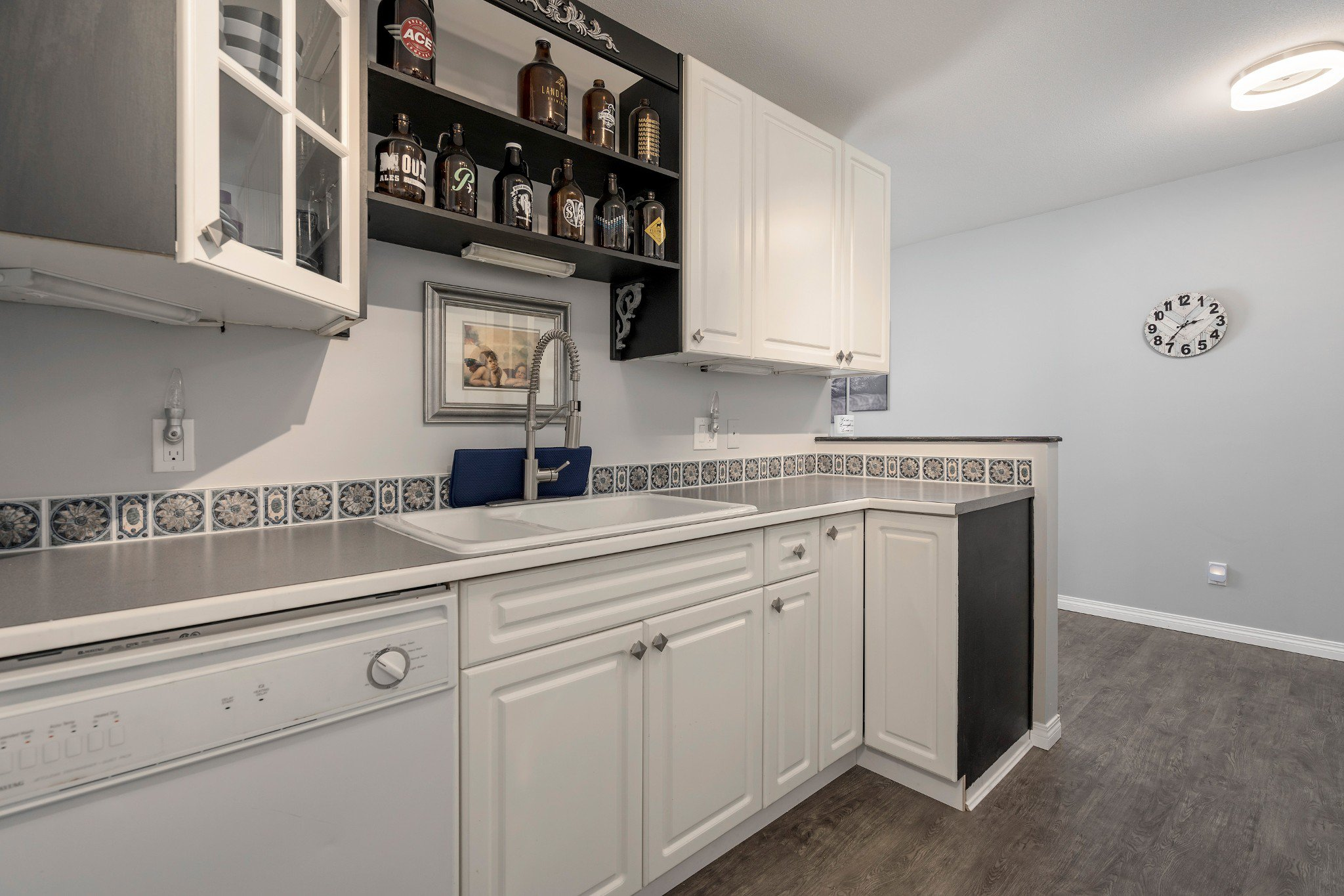 "Photo 7: Photos: 402 22722 LOUGHEED Highway in Maple Ridge: East Central Condo for sale in ""MARKS PLACE"" : MLS®# R2431567"