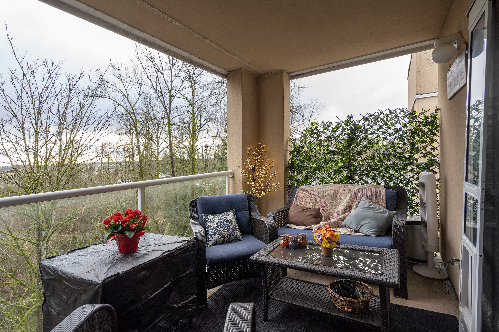 "Photo 15: Photos: 402 22722 LOUGHEED Highway in Maple Ridge: East Central Condo for sale in ""MARKS PLACE"" : MLS®# R2431567"