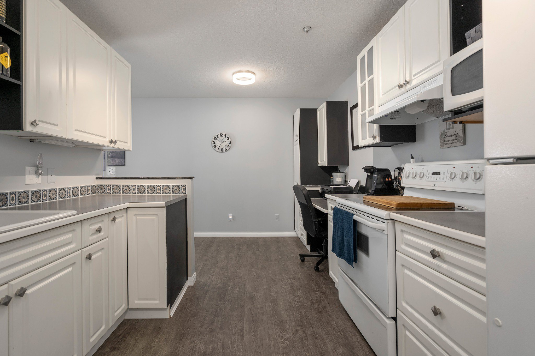 "Photo 6: Photos: 402 22722 LOUGHEED Highway in Maple Ridge: East Central Condo for sale in ""MARKS PLACE"" : MLS®# R2431567"
