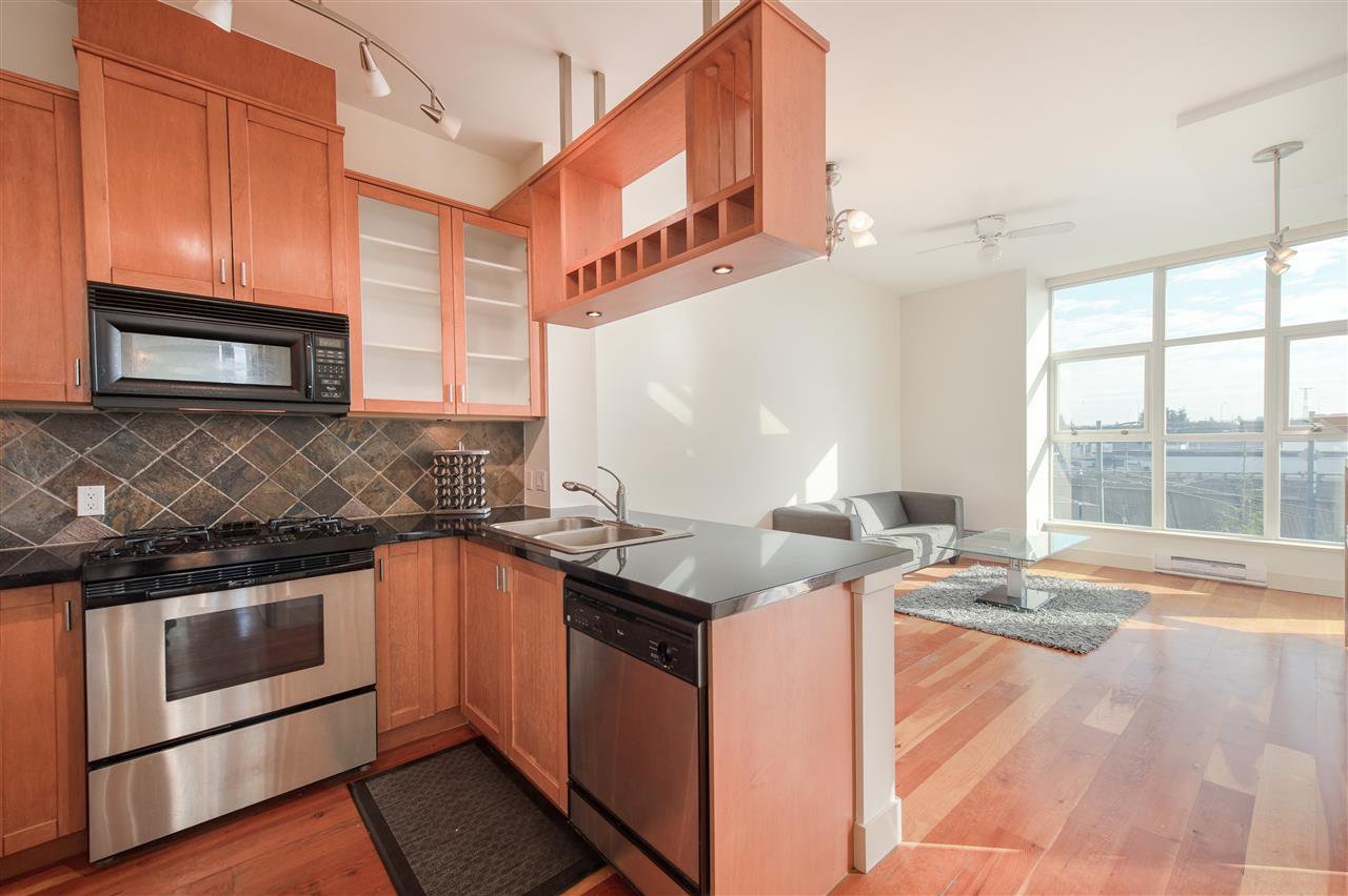 """Photo 2: Photos: 324 8988 HUDSON Street in Vancouver: Marpole Condo for sale in """"The Retro"""" (Vancouver West)  : MLS®# R2435569"""
