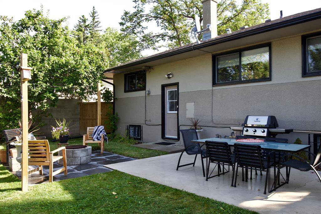 Photo 25: Photos: 67 Connaught Drive NW in Calgary: Cambrian Heights Detached for sale : MLS®# A1033424