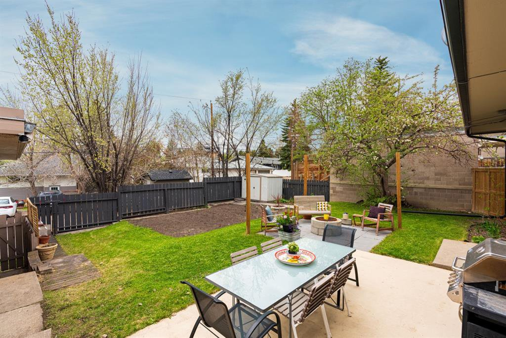 Photo 22: Photos: 67 Connaught Drive NW in Calgary: Cambrian Heights Detached for sale : MLS®# A1033424