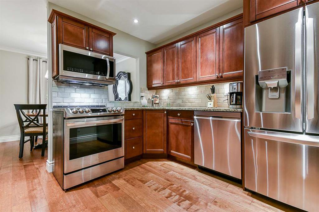 Main Photo: 6 4860 207 in Langley: Langley City Townhouse for sale : MLS®# R2500771