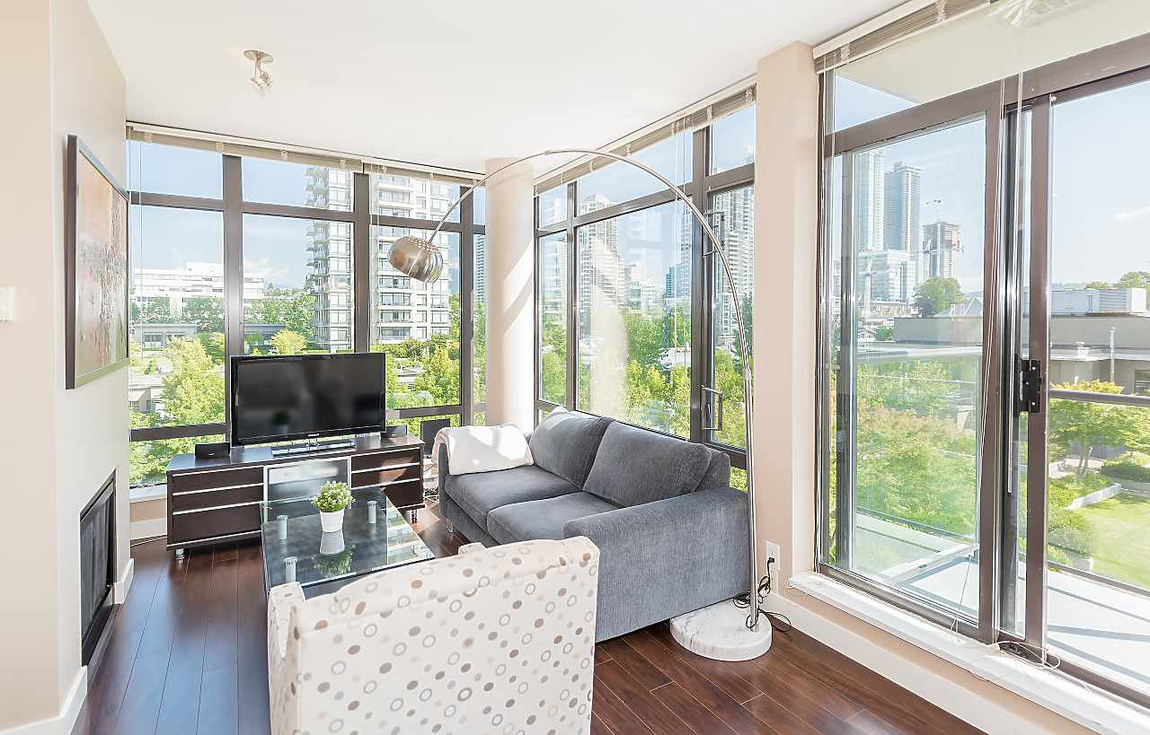 Beautiful direct eye-level garden views. Living room gets ample in-direct south exposure sunlight.