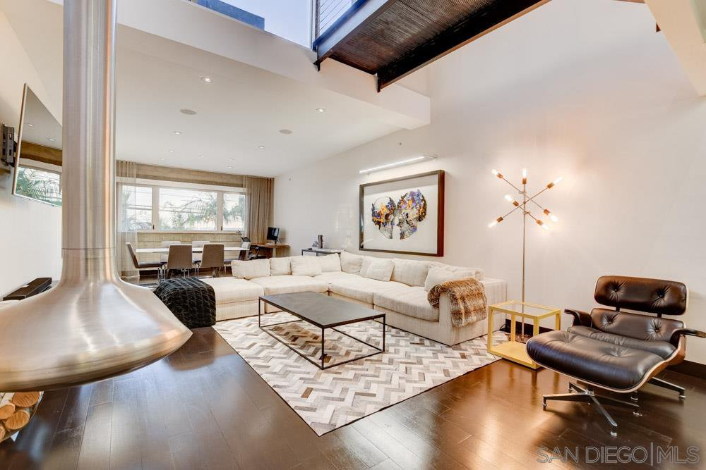 Main Photo: MISSION HILLS Condo for sale : 3 bedrooms : 3033 India St. #6 in San Diego