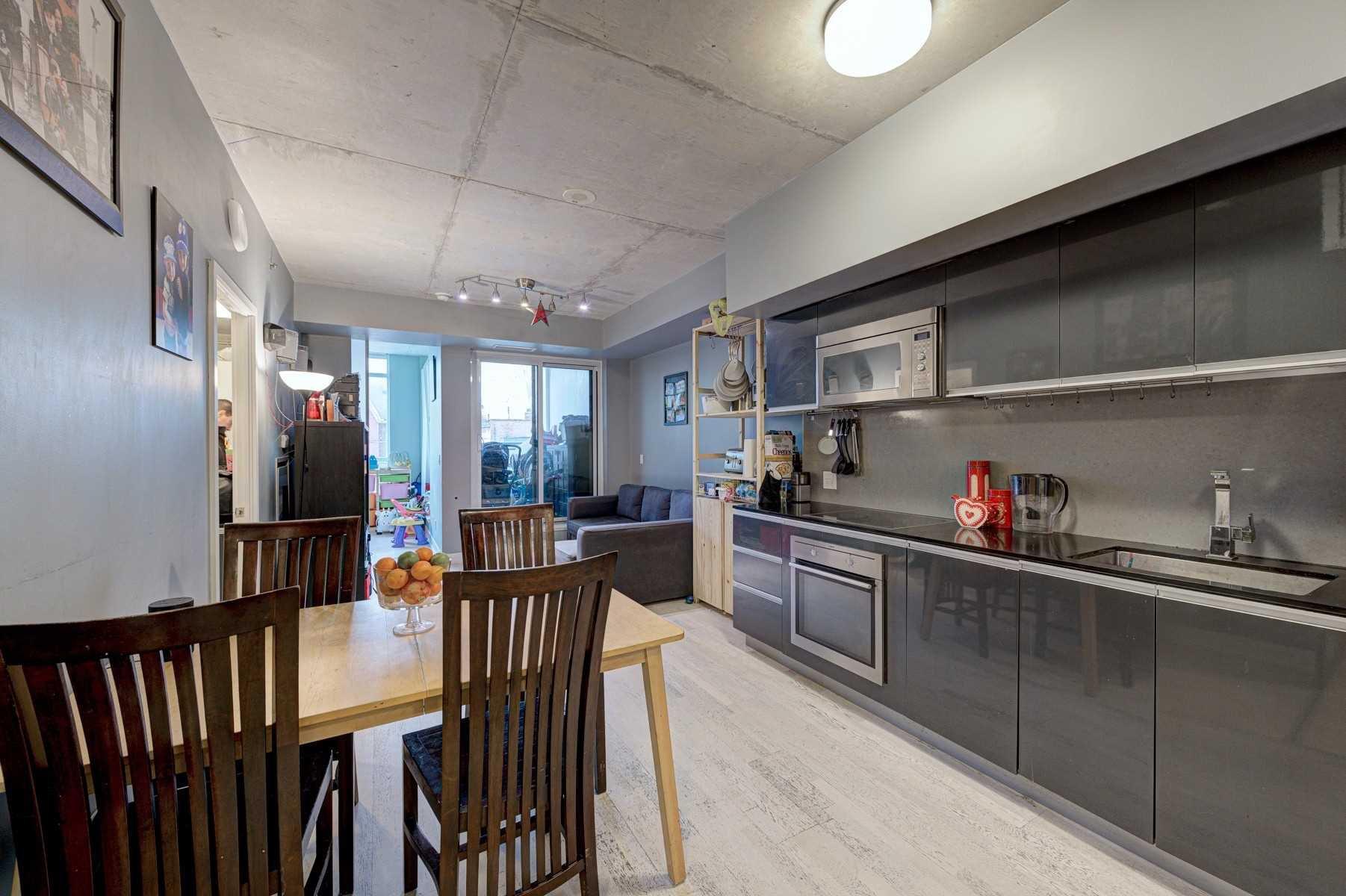 Main Photo: 206 20 Gladstone Avenue in Toronto: Little Portugal Condo for lease (Toronto C01)  : MLS®# C4639298