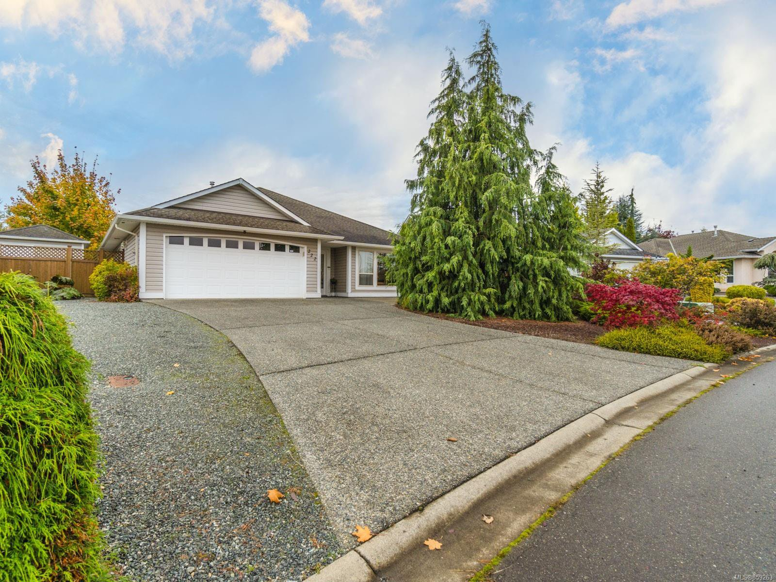 Main Photo: 222 Strawberry Cres in : PQ Parksville House for sale (Parksville/Qualicum)  : MLS®# 859263