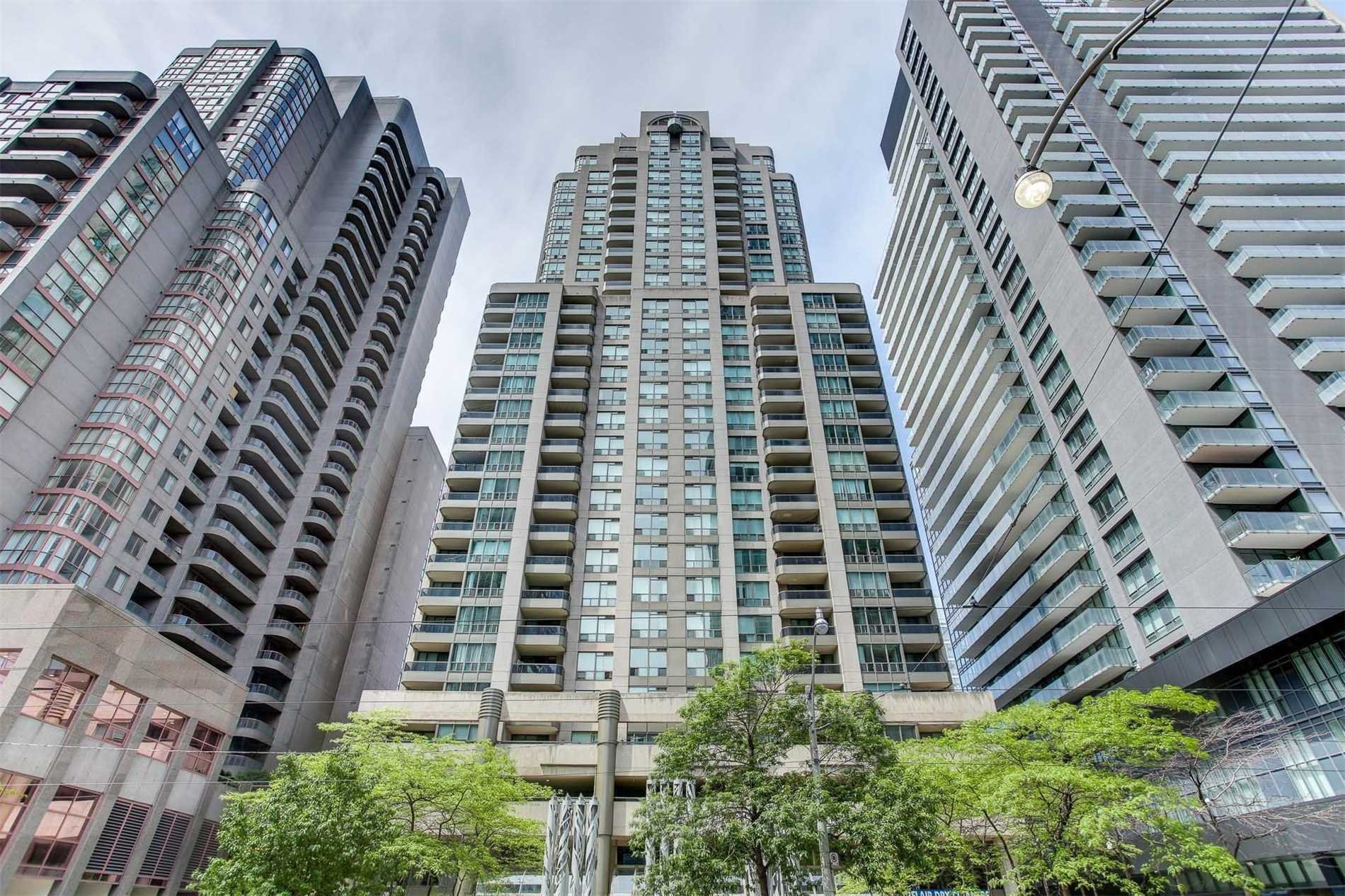 Main Photo: 1811 750 Bay Street in Toronto: Bay Street Corridor Condo for lease (Toronto C01)  : MLS®# C5073361