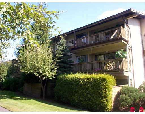 "Main Photo: 301 14935 100TH Avenue in Surrey: Guildford Condo for sale in ""Forest Manor"" (North Surrey)  : MLS®# F2723143"