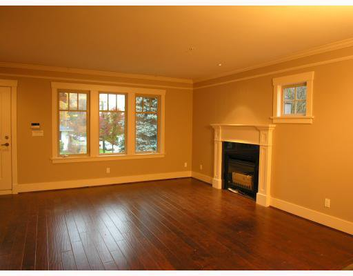 Photo 3: Photos: 206 W 13TH Avenue in Vancouver: Mount Pleasant VW Townhouse for sale (Vancouver West)  : MLS®# V669782