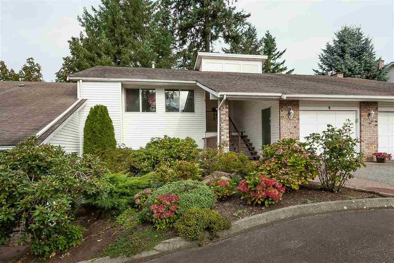 """Main Photo: 9 3632 BULKLEY Street in Abbotsford: Abbotsford East Townhouse for sale in """"Laurentian Green"""" : MLS®# R2404738"""