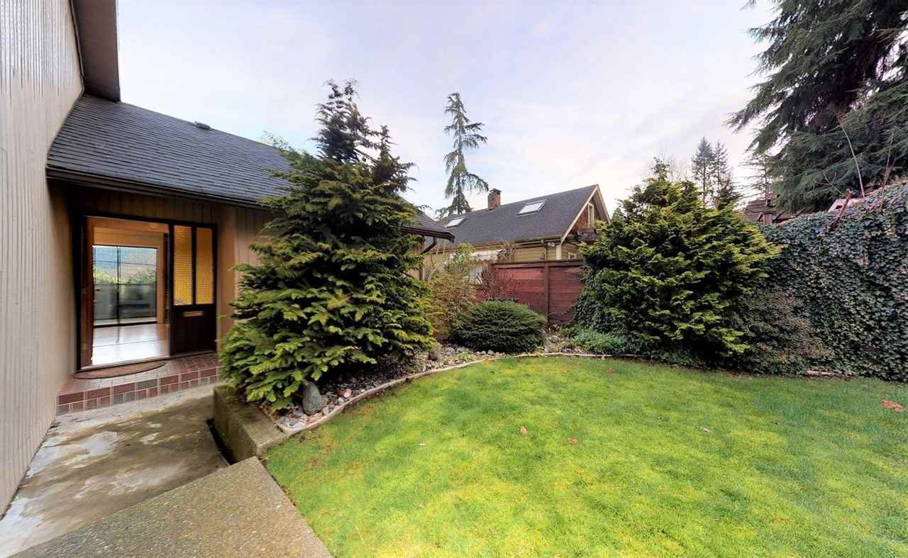 """Main Photo: 2805 JANE Street in Port Moody: Port Moody Centre House for sale in """"Highland Port Moody Centre"""" : MLS®# R2427450"""