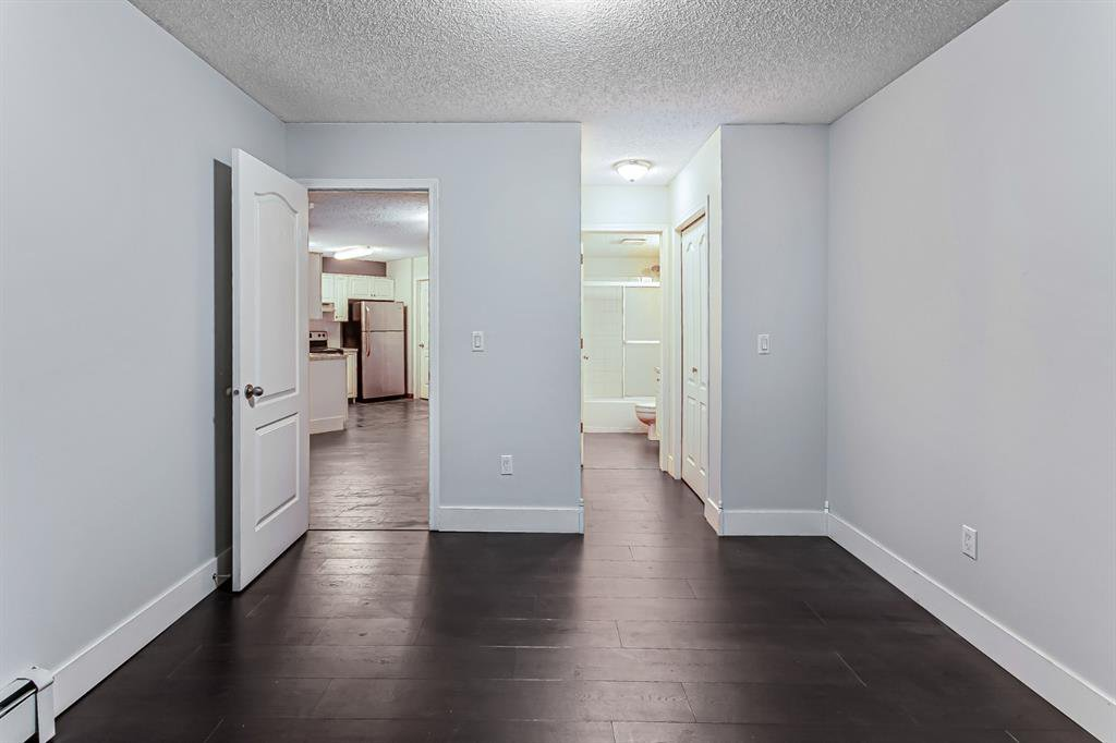Photo 10: Photos: 116 10 SIERRA MORENA Mews SW in Calgary: Signal Hill Apartment for sale : MLS®# C4281143
