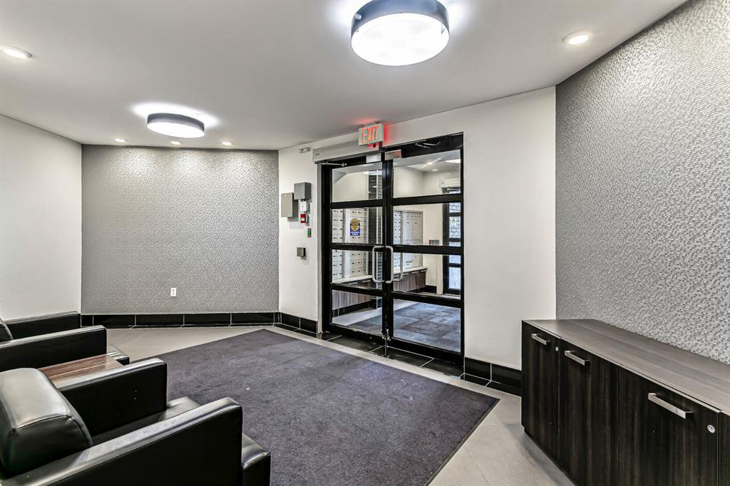 Photo 22: Photos: 116 10 SIERRA MORENA Mews SW in Calgary: Signal Hill Apartment for sale : MLS®# C4281143